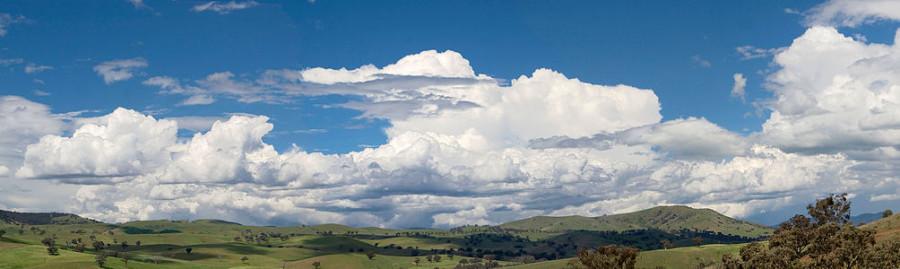 1004px-Cumulus_clouds_panorama