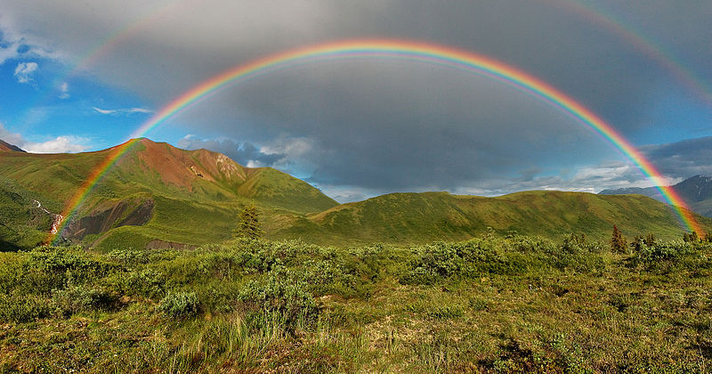 800px-Double-alaskan-rainbow-airbrushed